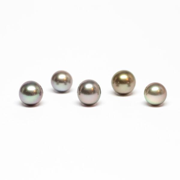 Near round cultured Tahiti pearl. Light Colour, 9-10mm, AB quality
