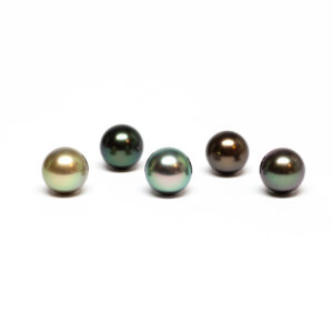 Round tahiti cultured pearl, 9,5-10mm, B quality fancy colour