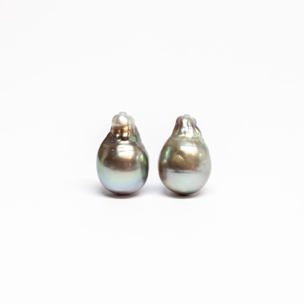 Tahiti pair, Baroque Shape, 12,5mm, B/C+ quality