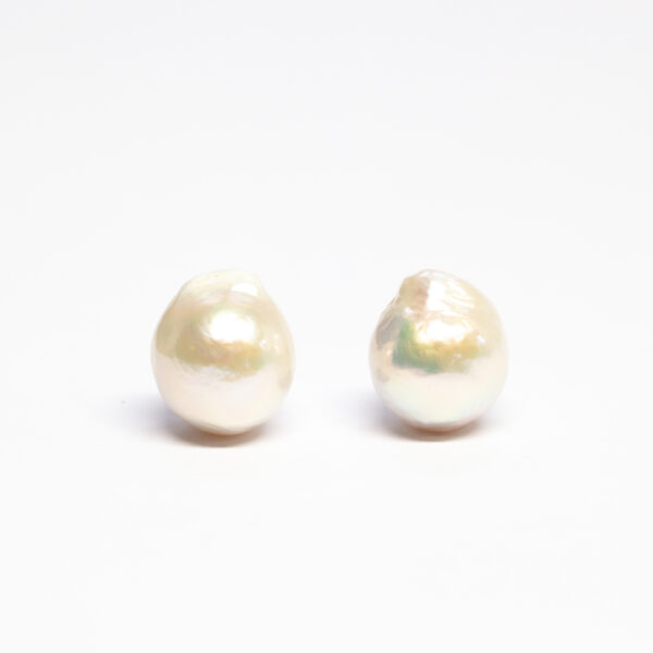 Freshwater pearls, Pair, White, 12-13mm, Baroque shape,