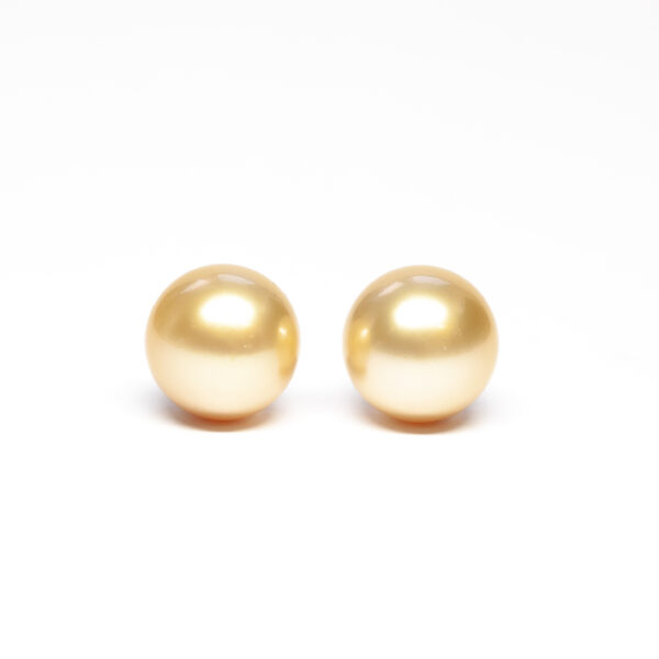 South Sea pearls, pair, Golden, 13,1mm, B Quality